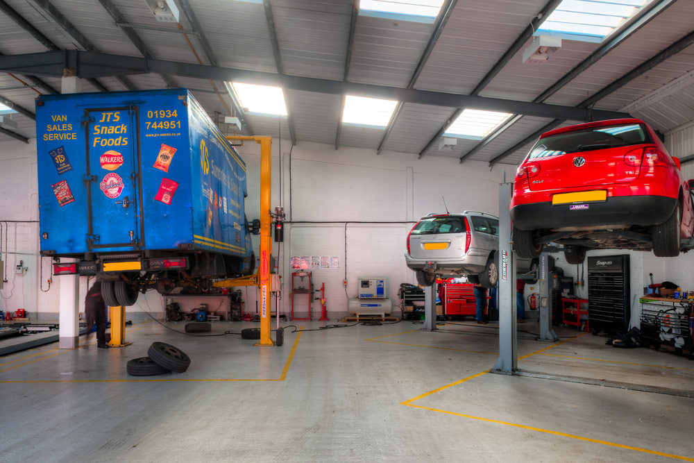 Vehicles being Serviced and repaired at Motech, Newbury